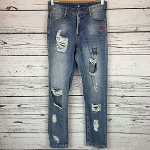 Boohoo Blue Distressed Embroidered Straight Jean